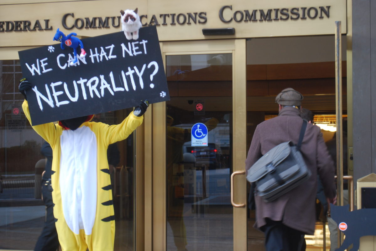 AT&T, Verizon and Texas ISP Fire First Legal Shots Against Net Neutrality